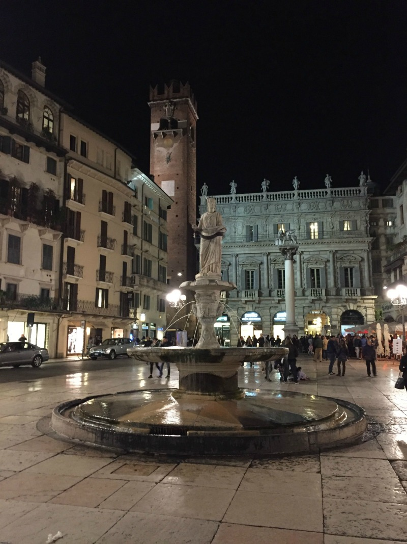 Itinerario un giorno verona fontana piazza erbe