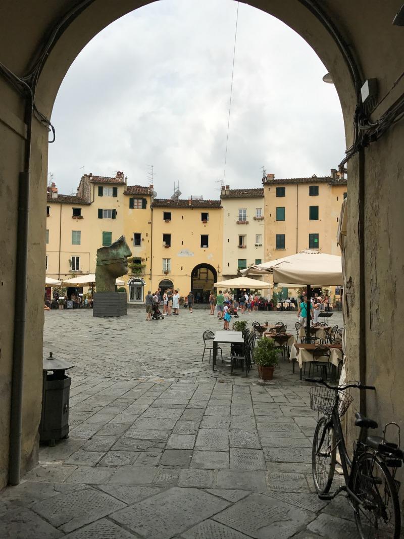 itinerario un giorno lucca ingresso piazza anfiteatro