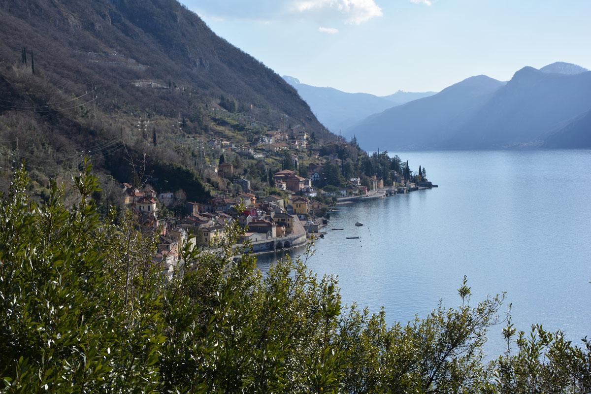 borghi sul lago di como varenna vista fiumelatte