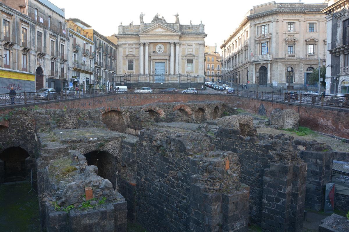 visitare catania in un giorno anfiteatro romano