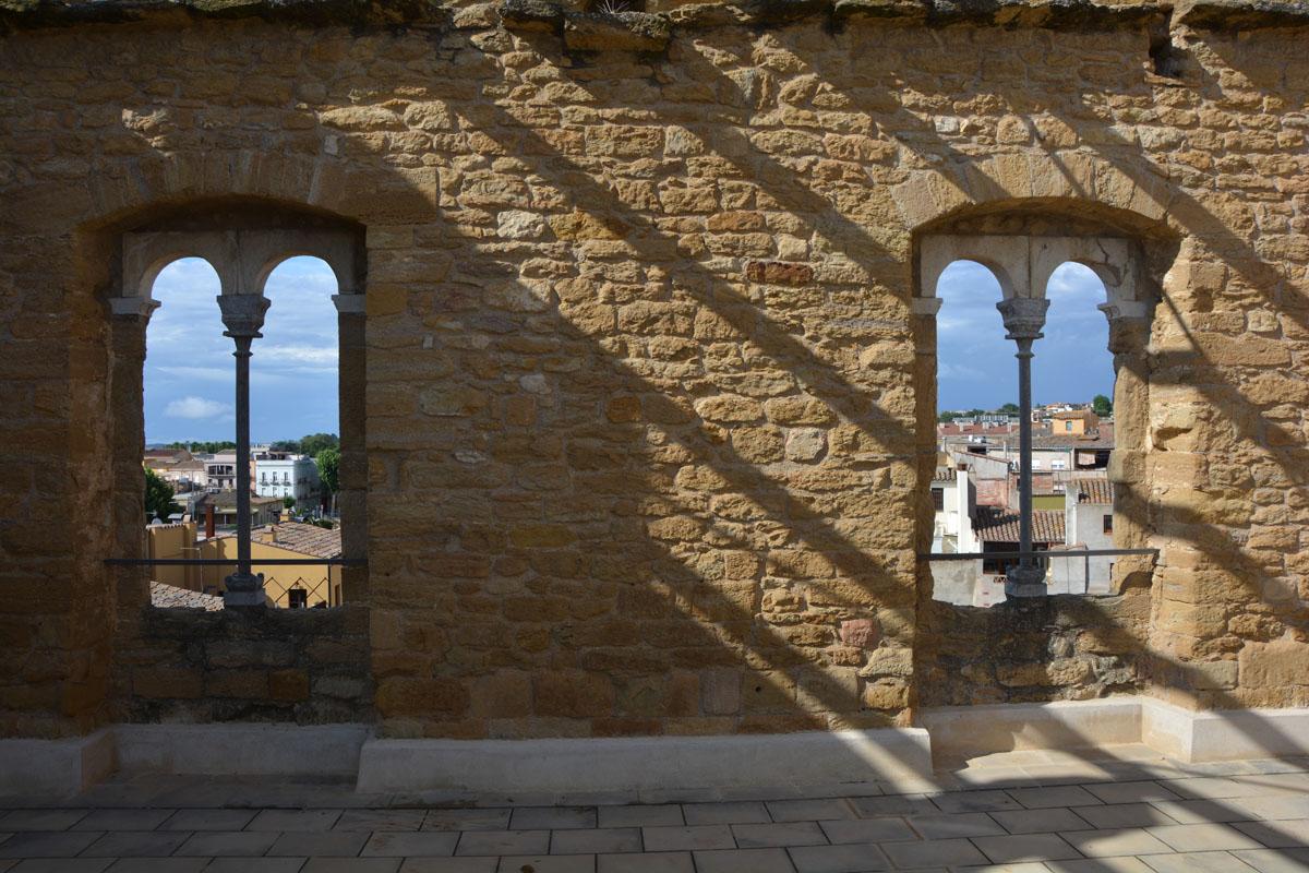 la bisbal d'empordà bifore finestre castell