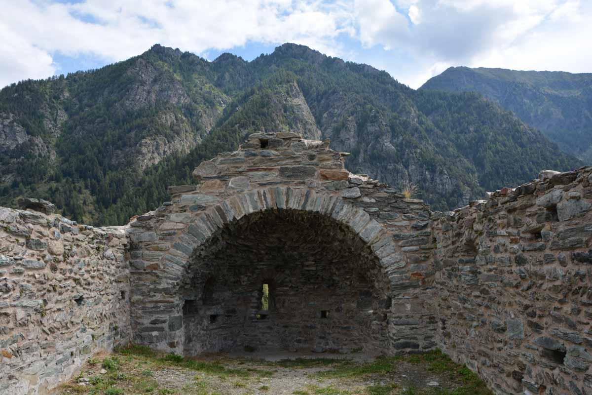 10 cose da fare in Val d'Ayas castello graines